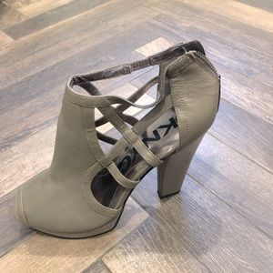 DKNY taupe/grey platform sandals